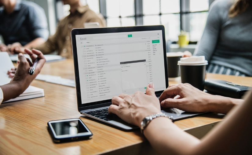Productivity at work: How to manage your emails efficiently?